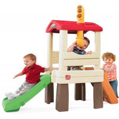 Your little one will have endless fun playing in the Naturally Playful Lookout Treehouse from Step2. Designed like an elevated elevated treehouse, this kids playhouse comes complete with stairs, a slide and a periscope that pivots degrees so they can fully explore the backyard.