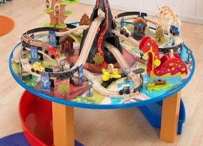 Dinosaur Train Set and Table