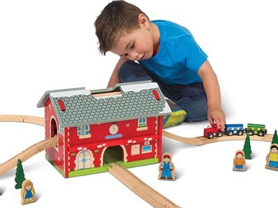 The Award Winning Pack And Go Wooden Train Set - The ideal packable train set for kids ages 3 and above